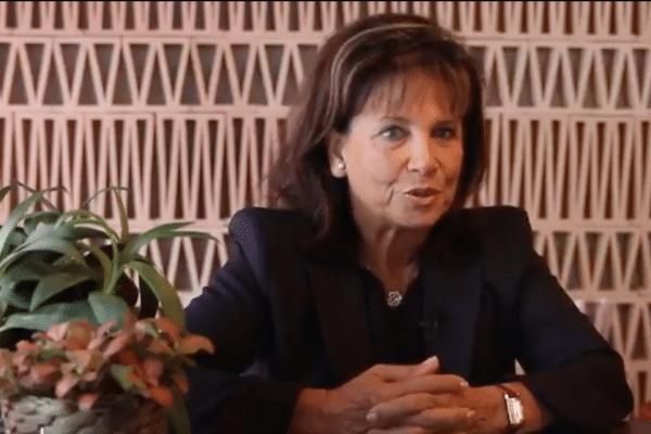 Anne Sinclair - Bibliothèques Idéales | Or Norme Magazine