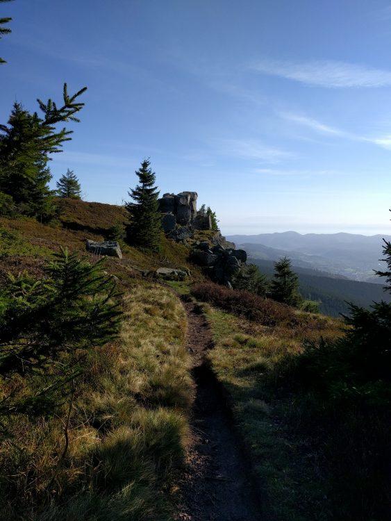 À l'approche du rocher du Tanet